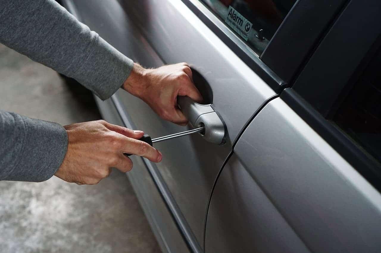 seguro del coche me cubre los objetos que me puedan robar