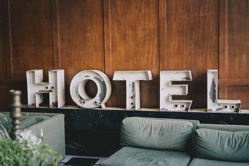 seguros obligatorios para un hotel